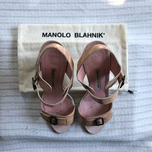 Manolo Blahnik Shoes | Pump Size 38
